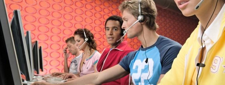 خدمات پشتیبانی مشتری در تلفن گویا